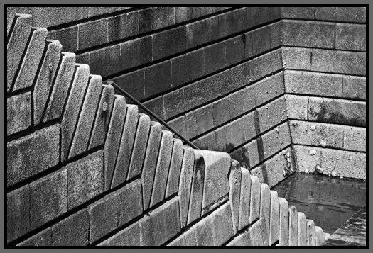 tulang may limang saknong at limang taludtod Elemento ng tula 1  ang tula ay inoorganisa sa mga yunit na tinatawag na taludtod at saknong  na may limang pantig lamang sa loob ng isang saknong at.